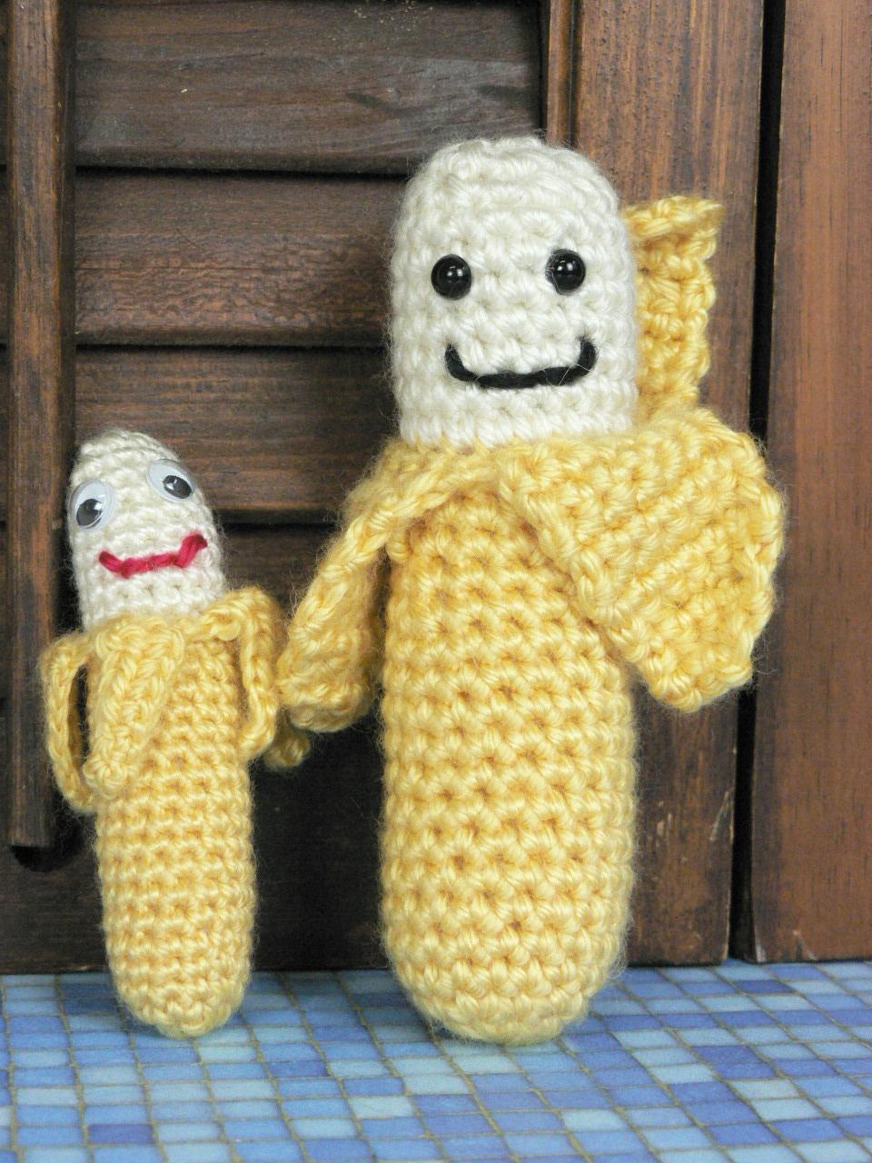 Crocheted Banana by Twinkie Chan - Creativebug | 1280x960